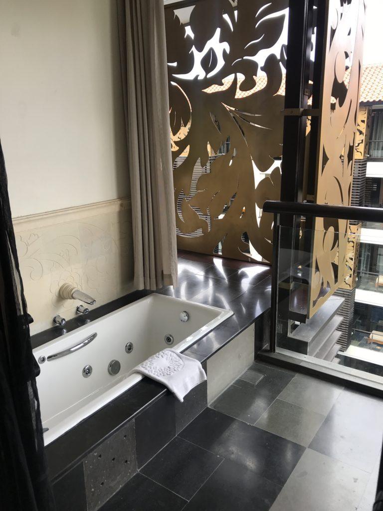 Balcony tub at Trans Hotel Bali