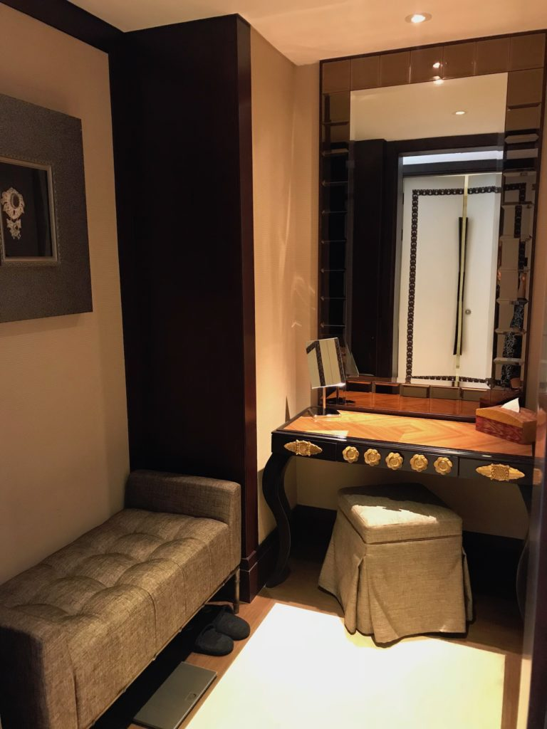 Dressing room in the Celebrity Suite Trans Hotel