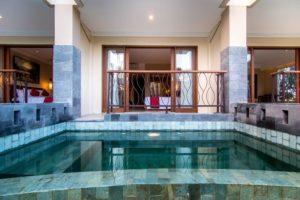 Amnumana hotel pool access