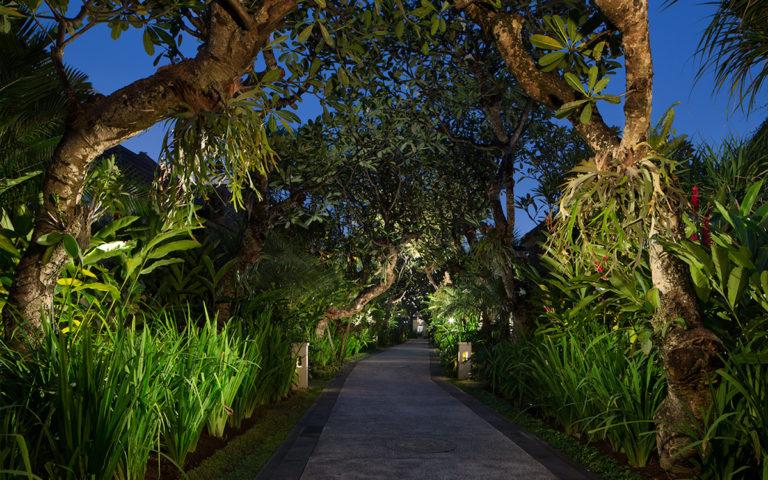 Book Sun Island Seminyak Bali
