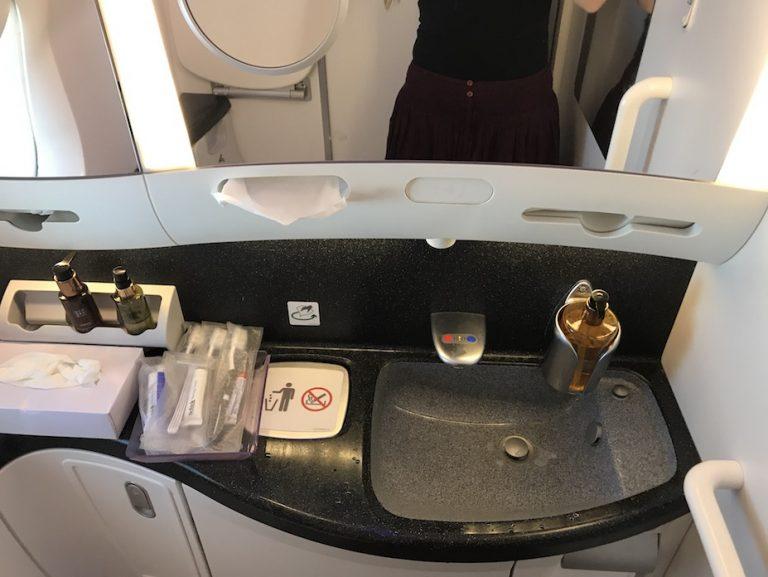 bathroom on 787 Qatar airways business class