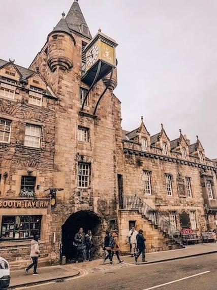Royal mile walking tour - mercat tours edinburgh