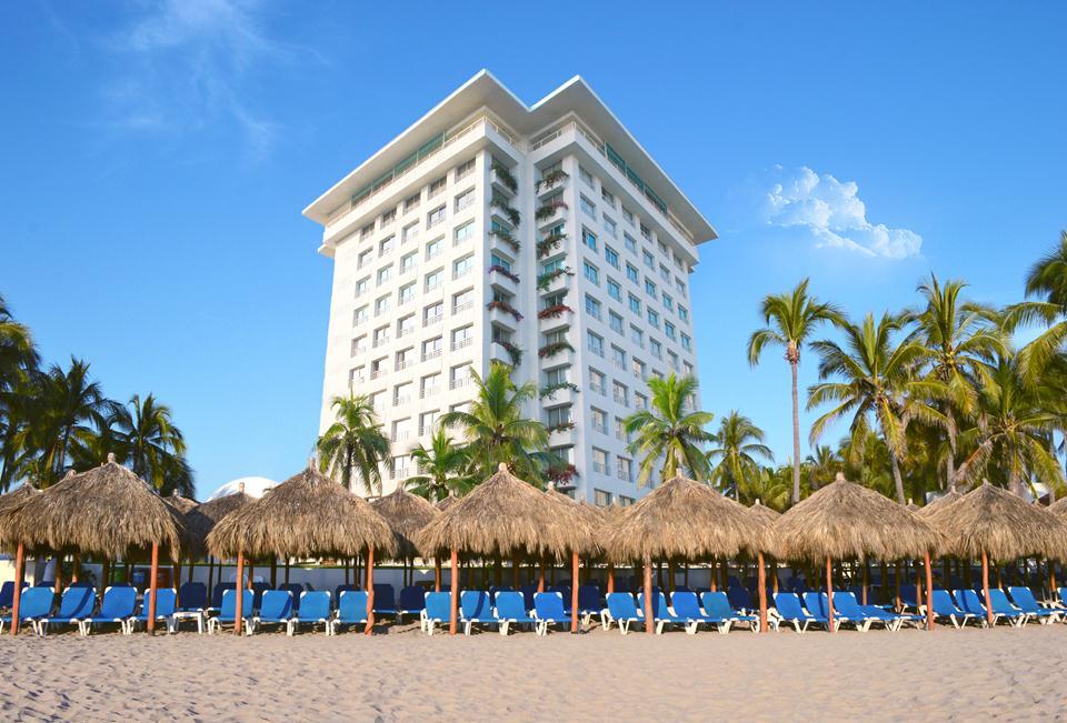 Emporio Ixtapa Affordable coean front hotel mexico