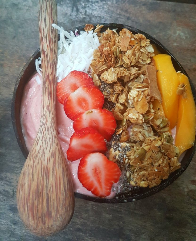 things to do in hoi an have a smoothy bowl