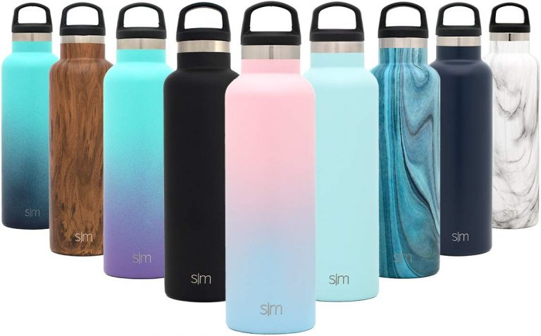 Use a reusable water bottle - eco-friendly travel tips