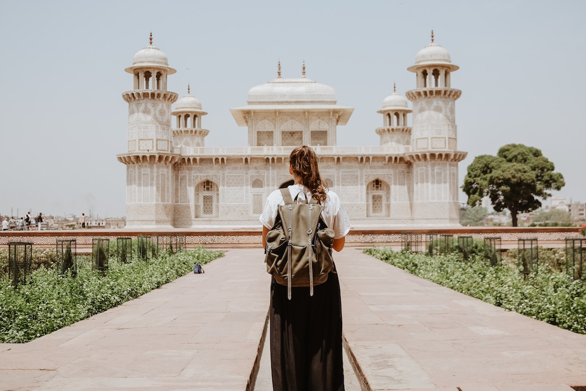 the pros and cons of being an expat in india