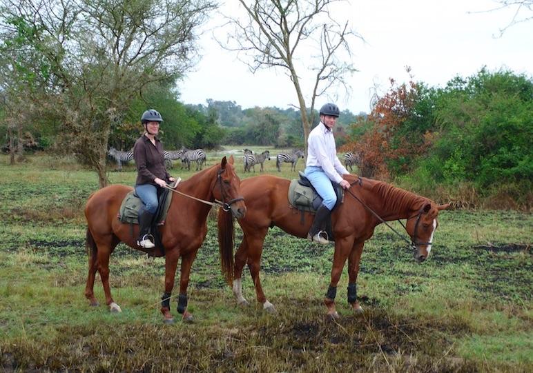 horse back riding safari in Africa