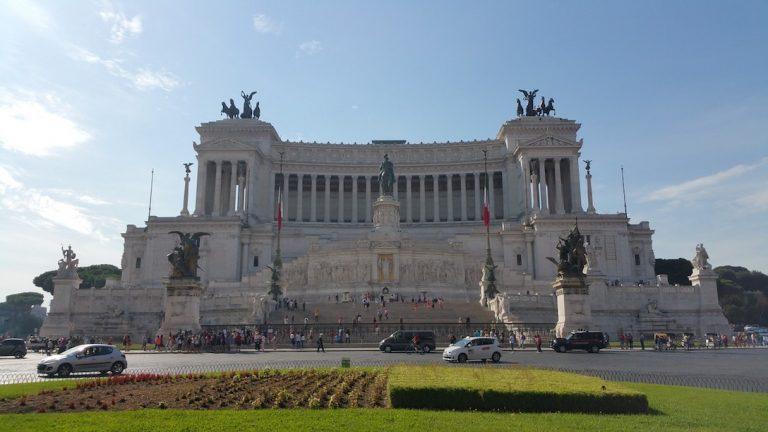 Altare della patria - free attractions in rome - rome budget travel