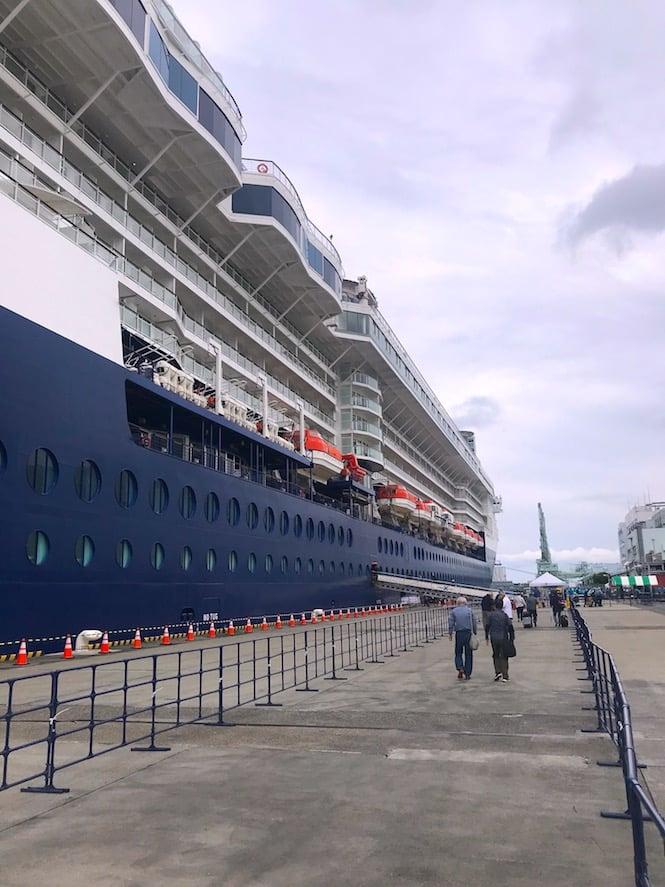 Aqua class benefits include priority boarding