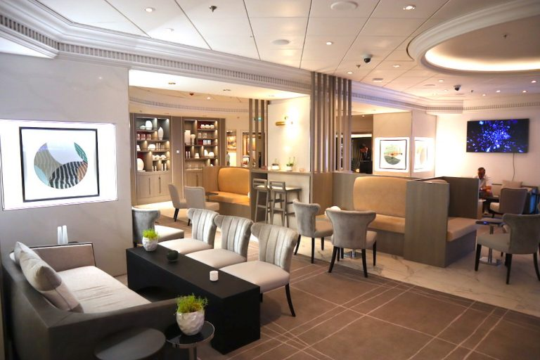 The Retreat Lounge for suite guests