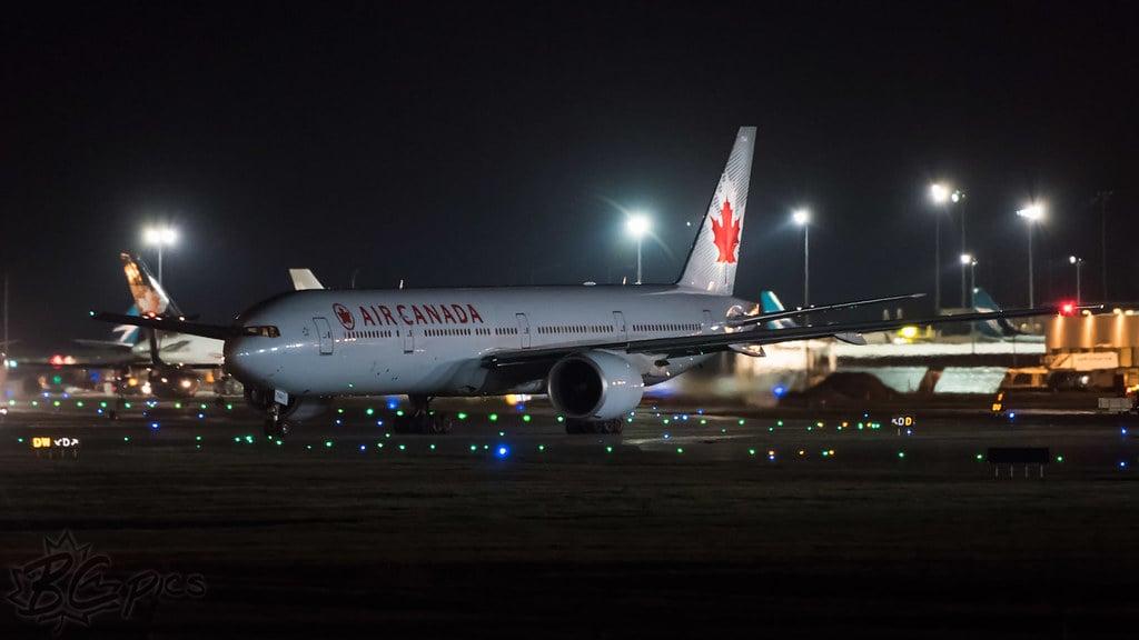Air canada Passenger locked on plane