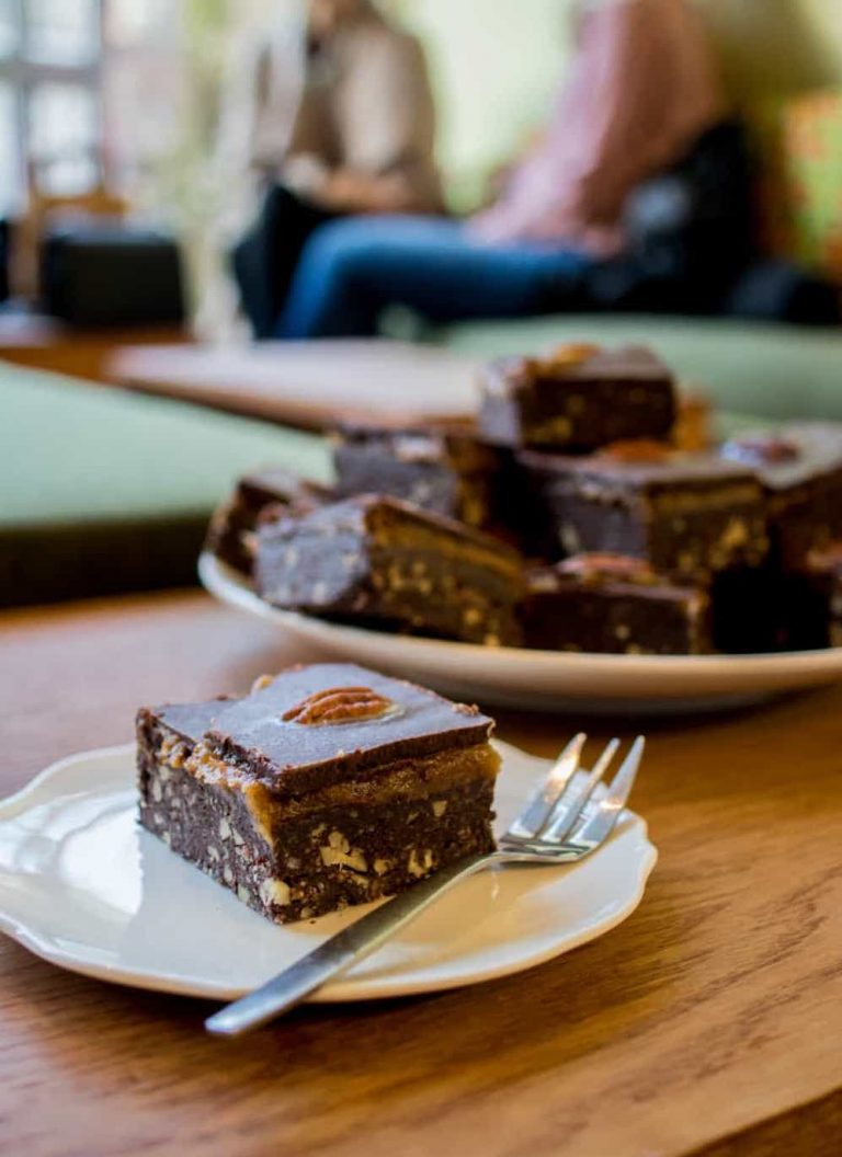 raw snickers bar Amsterdam vegan