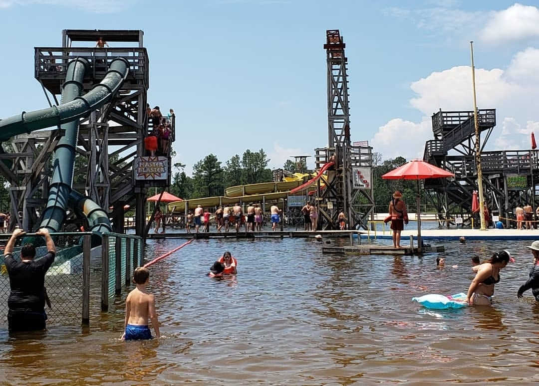 Man Dies from 'Brain-Eating Amoeba' After Swimming at Water Park