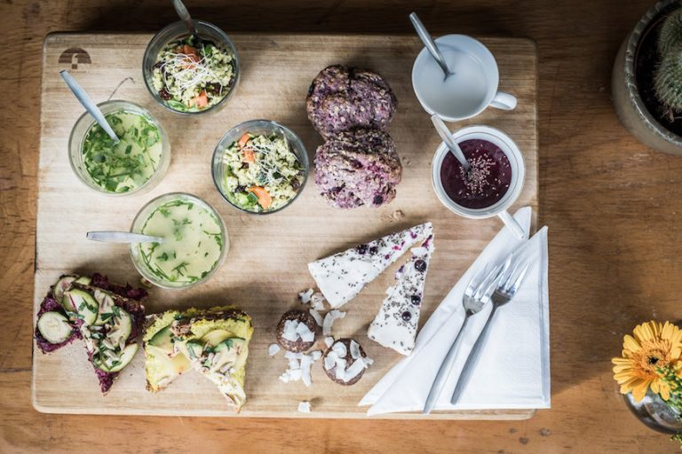 Beter and Luek Amsterdam - vegan restaurants desserts