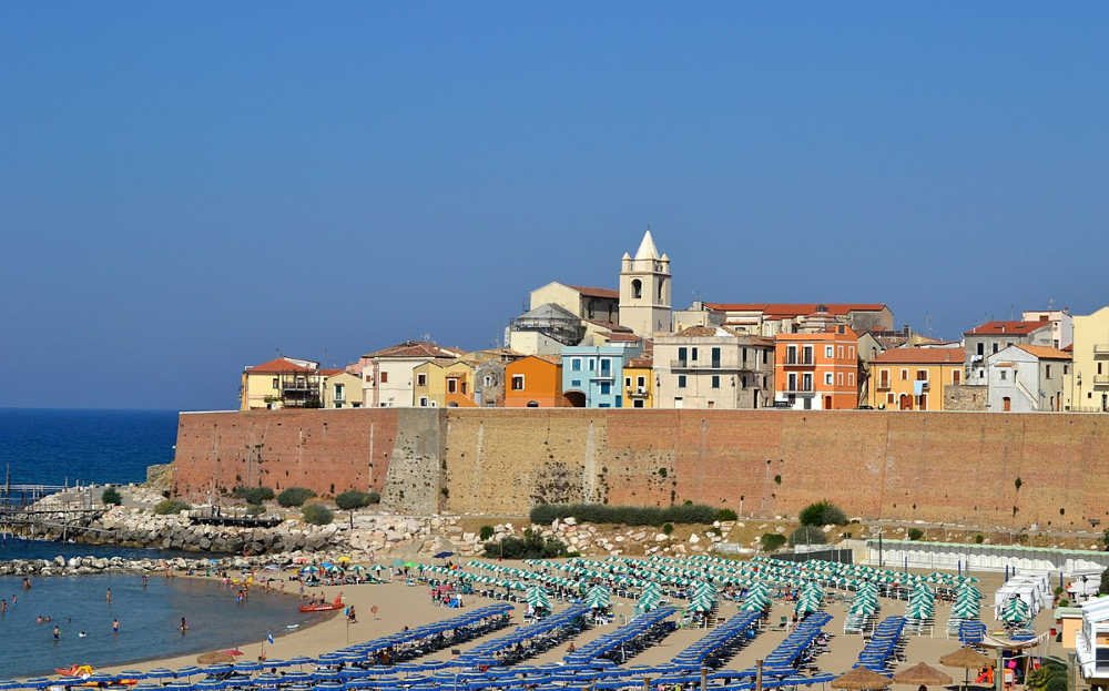 Italy beaches are open to tourists