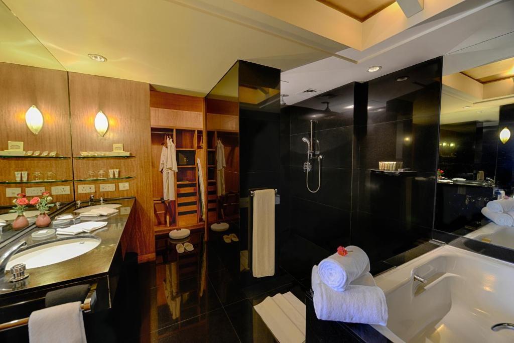Bathroom at The Grand New Dehli Hotel