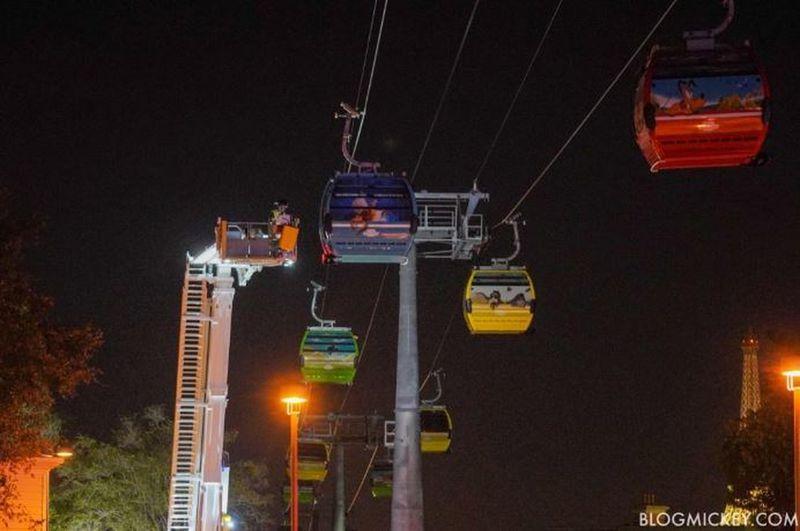Riders stuck on gondolas at walt disney world