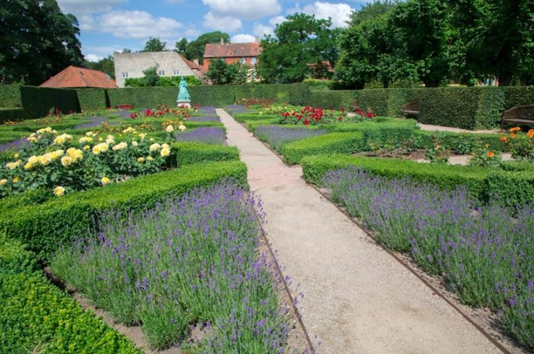King's Garden - free things to do in copenhagen