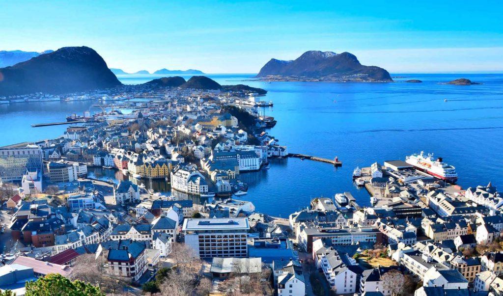 Ålesund town cruise port