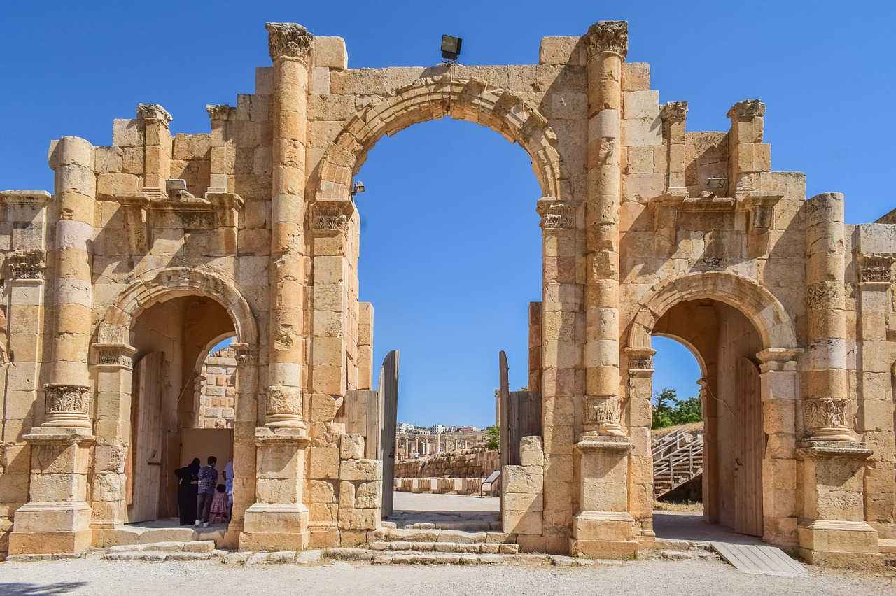 4 Tourists Among 8 Injured in Horiffic Knife Attack In Jordan