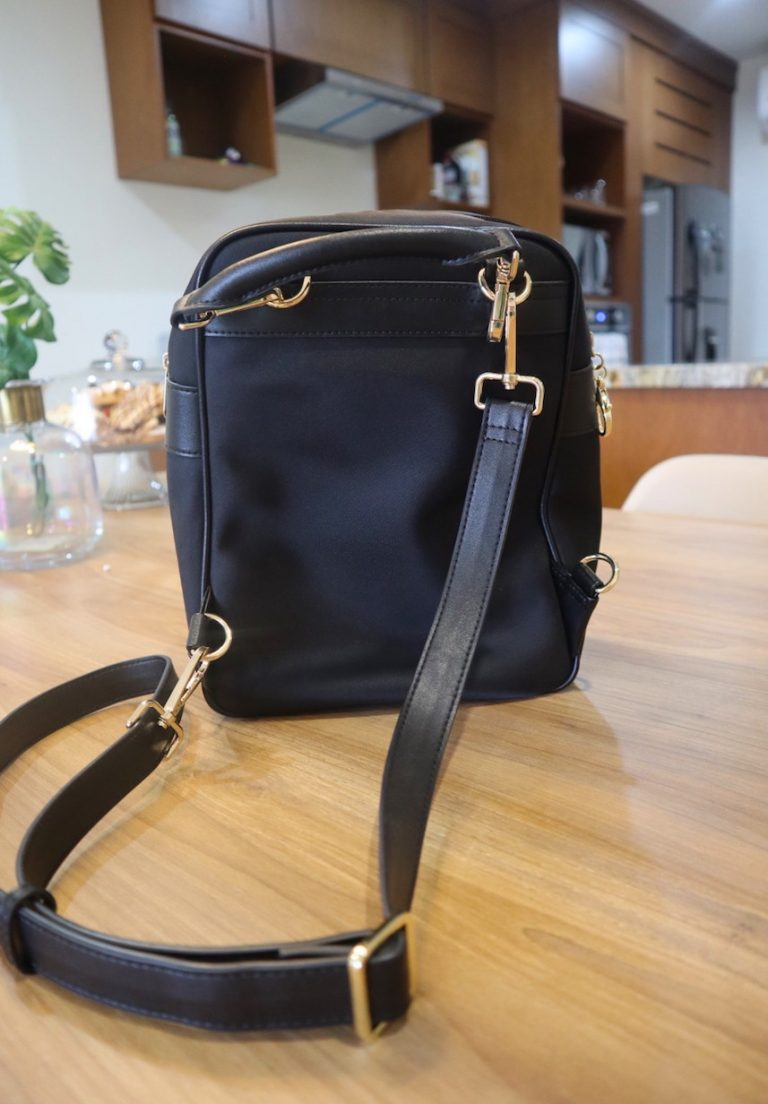 Anti-theft backpack that converts to a crossbody bag