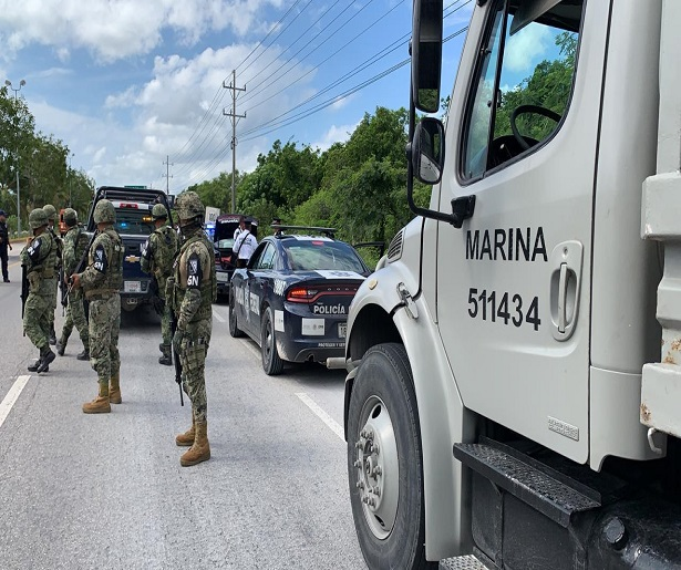 Mexico bus army personnel