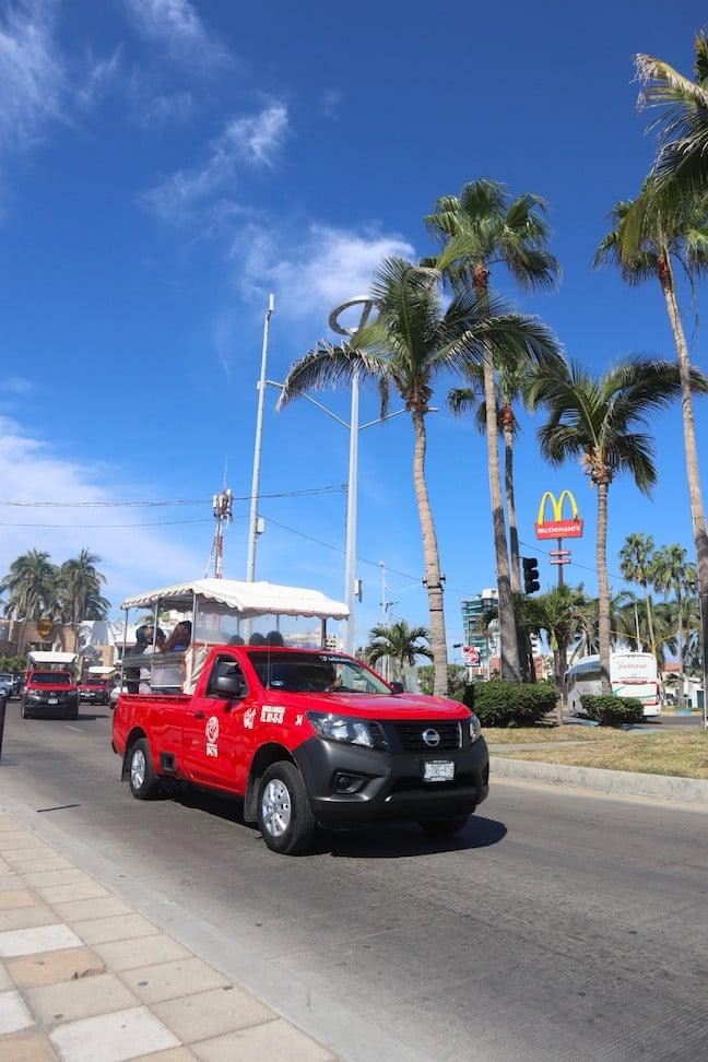 auriga truck taxi in mazatlan