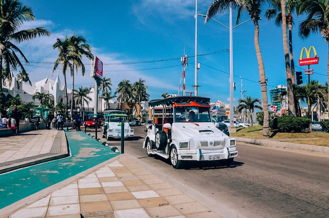 Getting around Mazatlán – Taxis, Ubers, Pulmonias, Buses and more