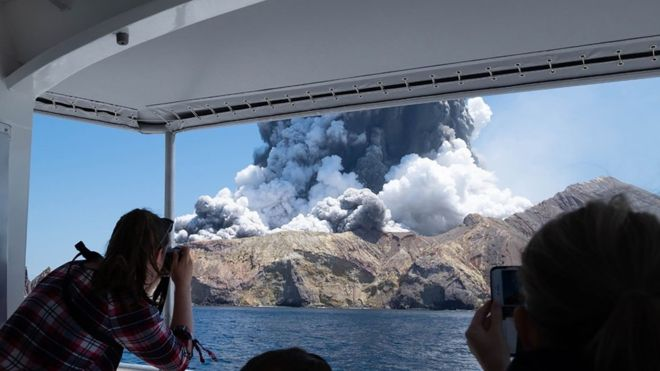 5 Dead in New Zealand Volcano Cruise Ship Passengers Missing