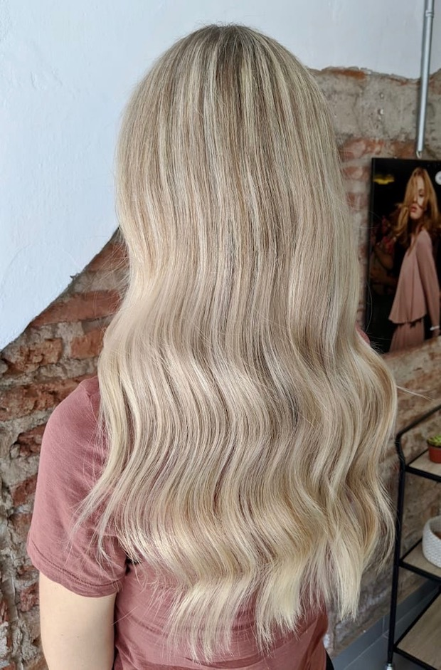 Kashlee Kucheran blonde hair in Mazatlan with frida house of hair salon