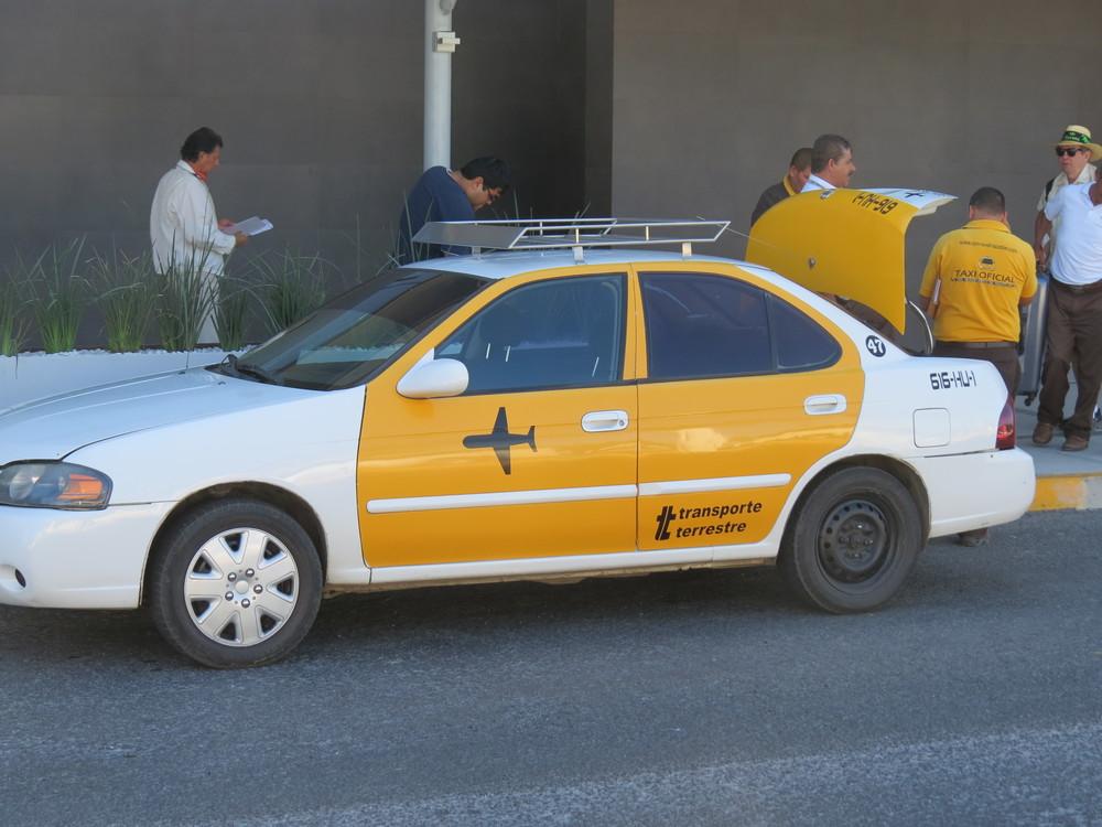 mazatlan airport taxi