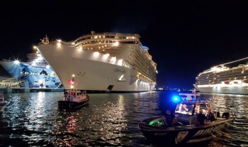 Cruise Ship Passenger Dies After Falling From Oasis of The Seas