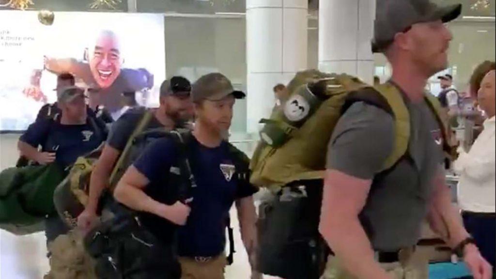 firefighters arrive in australia
