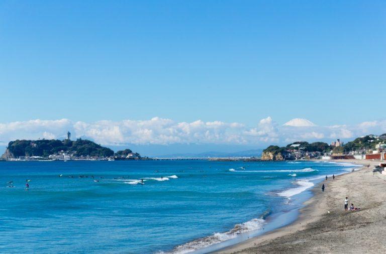 enoshima beach in kamakura