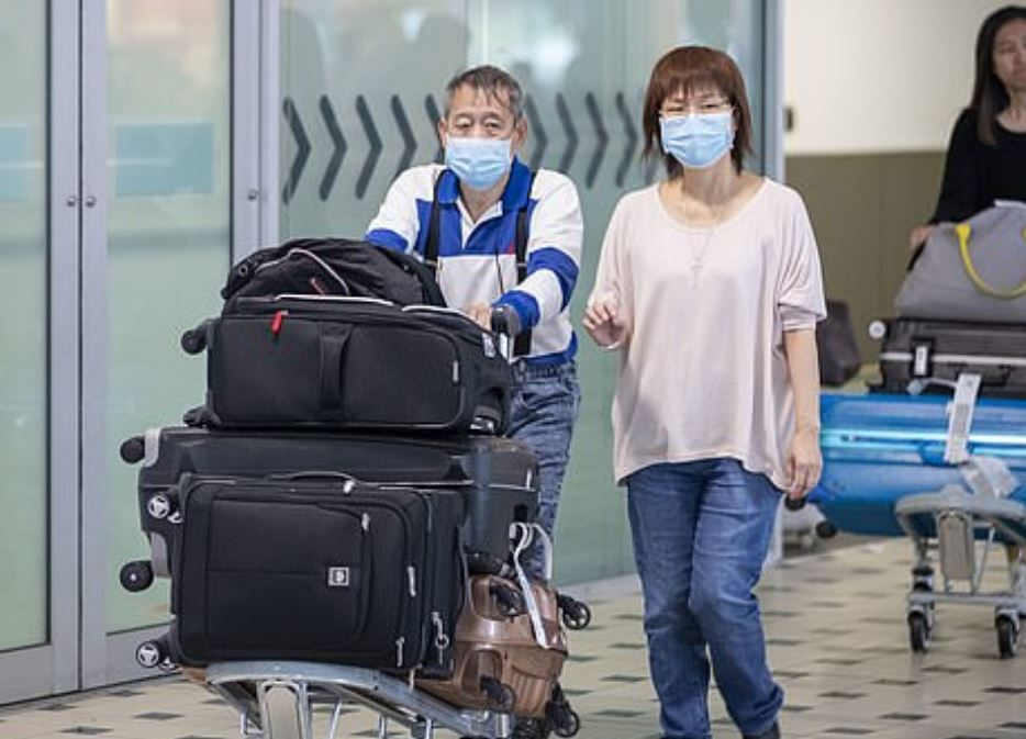 Chinese travellers will be denied entry to Australia as the number of confirmed coronavirus cases rises to 12.