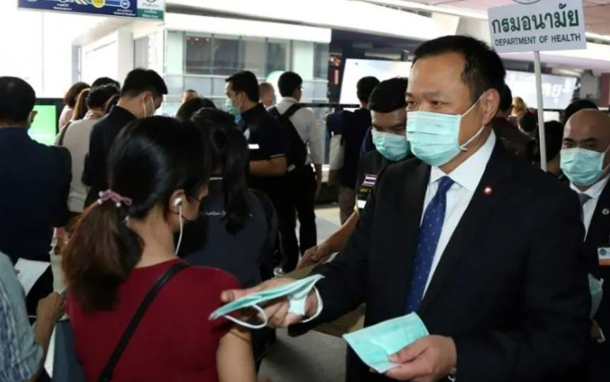 Health minister says western tourists should be kicked out for not wearing masks