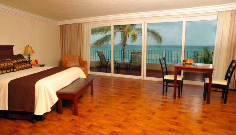 deluxe room playa mazatlan