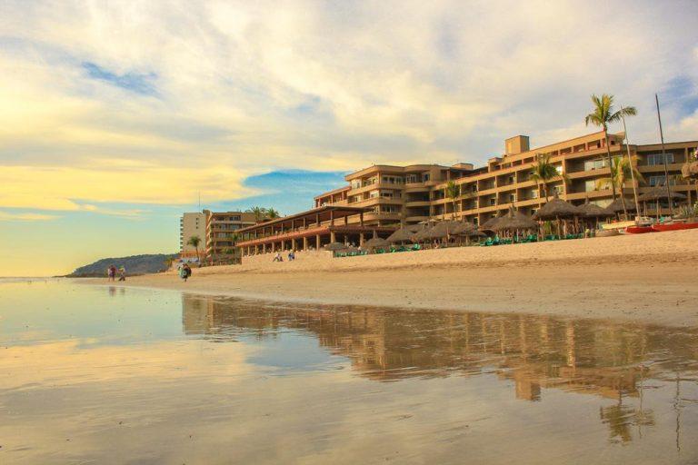 all inclusive day pass to hotel playa mazatlan