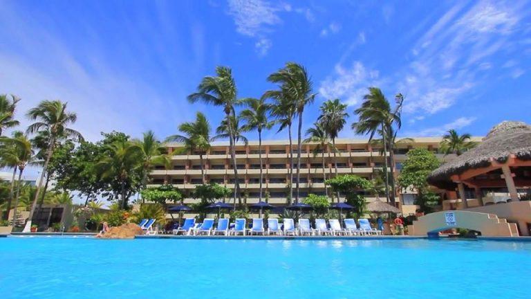 Day pass at the Palms hotel mazatlan