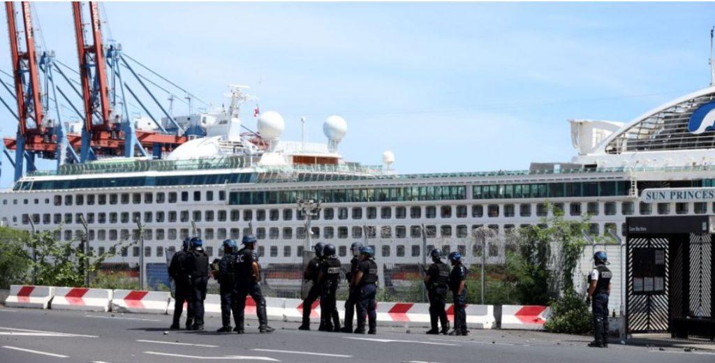 cruise passengers attacked