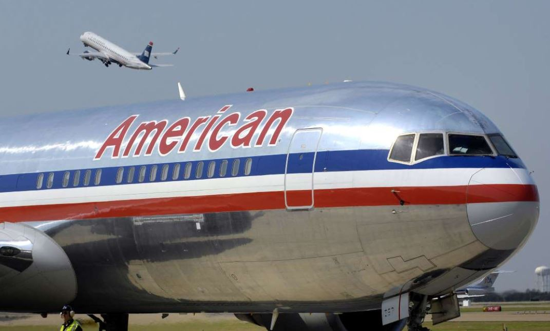 merican airlines flight packed