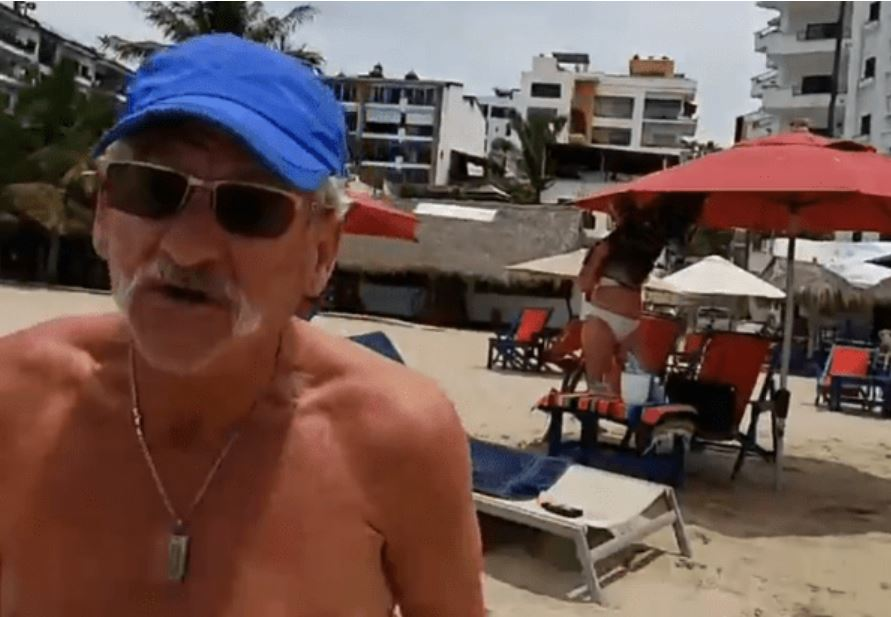 Canadian Assaults a Puerto Vallarta Reporter Who Caught Him Using The Beach