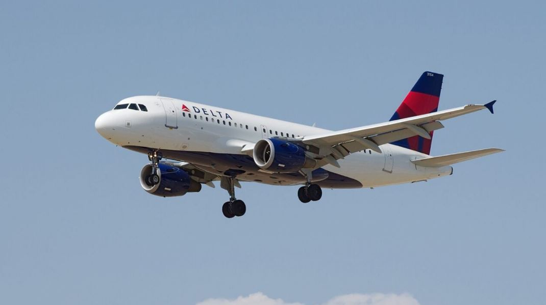 Delta Airlines Offering Free Snack Bags On Domestic Flights In The U.S.