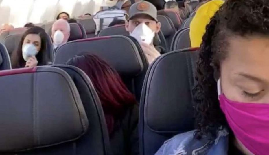 JetBlue becomes first U.S. airline to require passengers wear face coverings