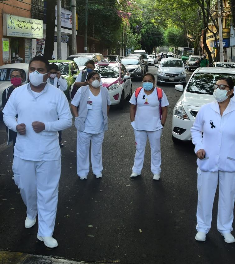Mexico health workers in street
