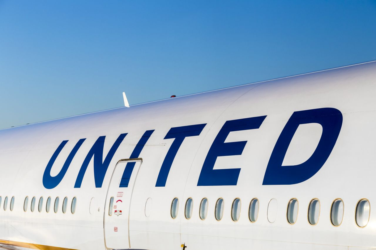 U.S Warns Airlines They Must Provide Full Refunds For Cancelled Flights, Not Vouchers