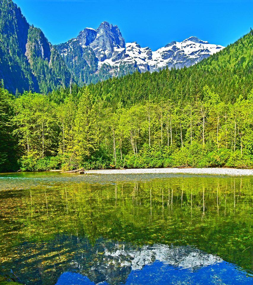 bc mountains lake