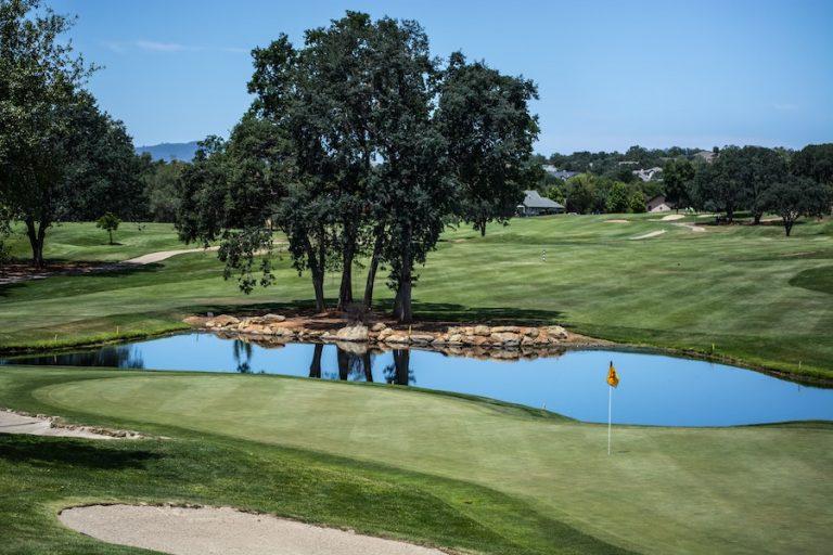 go golfing - social distance activities