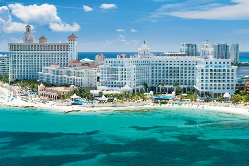 Cancun Will Pay For Half Of Your Hotel Cost If You Visit This Year