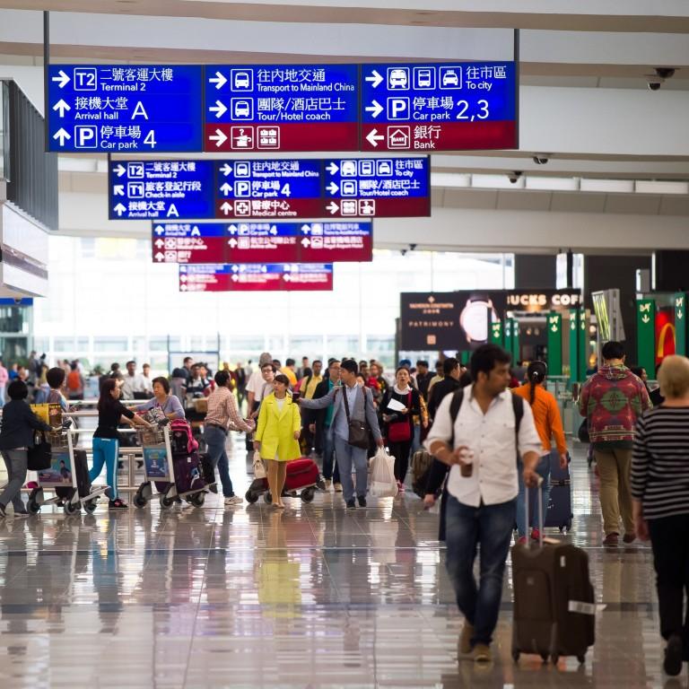 airport passengers in hong kong